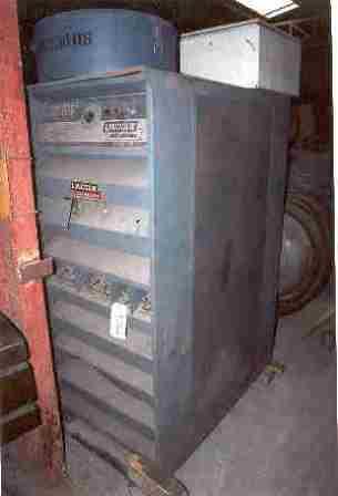 MAQUINA DE SOLDADURALINCOLNPOSTE SOUDURE-1200 amps