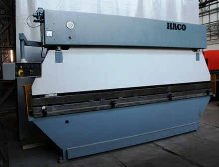 PRESSE PLIEUSEHACO100Tonnesx4000mm4389d.JPG