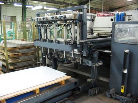 POINCONNEUSE CNC SALVAGNINI S4.25  - 26 ton - 1520 x 2540 mm