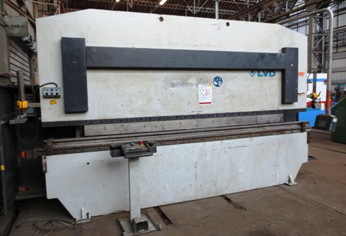 PRESSE PLIEUSE&nbsp;LVD&nbsp;135&nbsp;Tonnes&nbsp;x&nbsp;4000&nbsp;mm&nbsp;&nbsp;