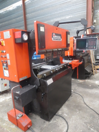 PRESS BRAKE AMADA PROMECAM 25 Tonnes x 1200 mm