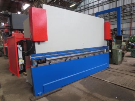 PRESS BRAKE BEYELER 150T Tonnes x 4000 mm