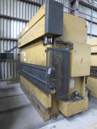 PRESSE PLIEUSE COLLY 125 Tonnes x 3000 mm