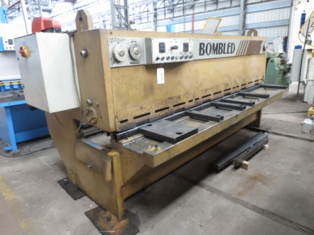 CISAILLE GUILLOTINE BOMBLED 3000 mm x 6 mm