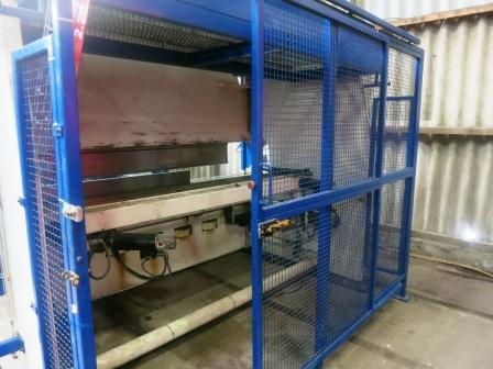 PRESS BRAKE PERROT 170 Tonnes x 3000 mm   5165 (1) - int.jpg