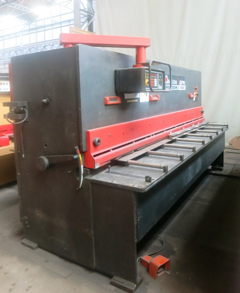 CISAILLE GUILLOTINE AMADA 3000 mm x 6 mm